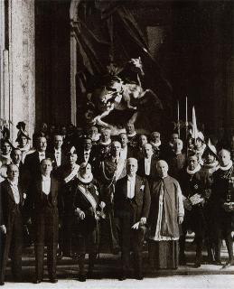 Visita del Capo Provvisorio dello Stato Enrico De Nicola a Sua Santità Papa Pio XII