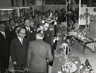 Il Presidente della Repubblica Giovanni Gronchi a Firenze per la XXI Mostra Mercato internazionale dell'artigianato